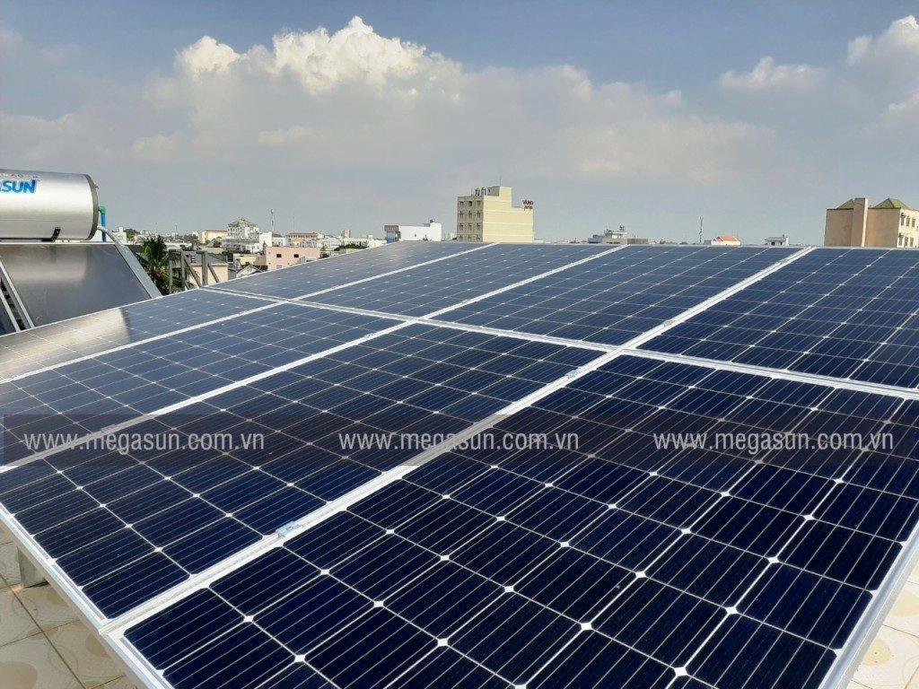 pin năng lượng mặt trời cho hộ gia đình